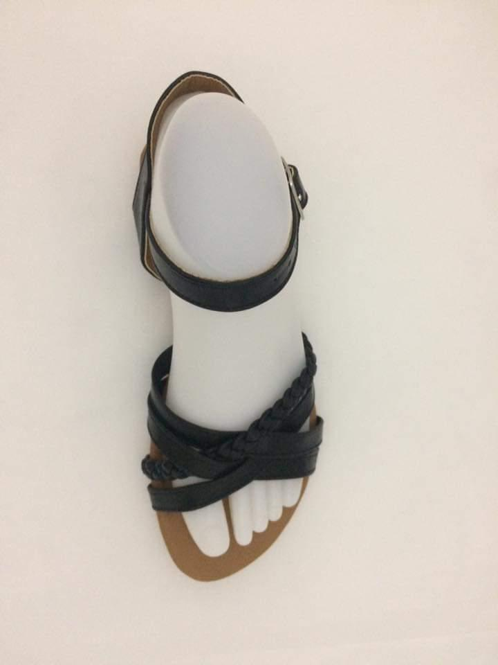 sandalia-negra